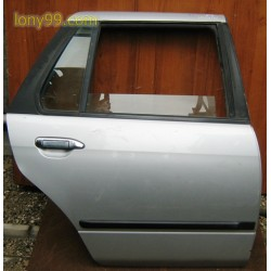 Врата задна десна за Nissan Primera (96-00)